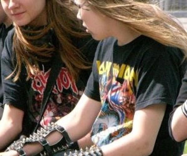 Estudo indica que punk e metal acalmam as pessoas