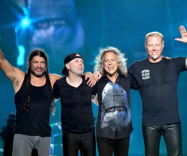 Metallica se reúne com o San Francisco Symphony para o show do 20º aniversário do álbum 'S & M'