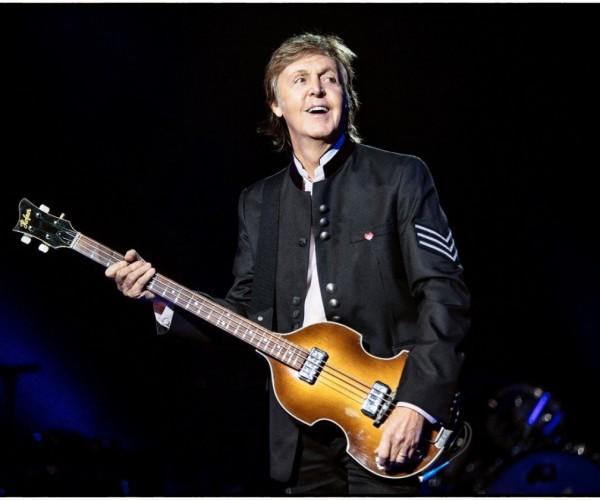 """""""THE FRESHEN UP TOUR""""   Você vai ao show de Paul McCartney? Algumas curiosidades sobre a carreira e a obra do artista"""
