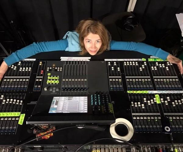 Entrevista com Gabi Lima, engenheira de áudio e professora do curso especialista em Produção Técnica da On Stage Lab